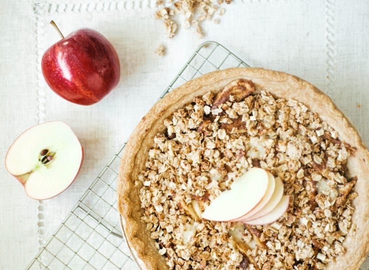 Apple Cheddar Crumble Pie
