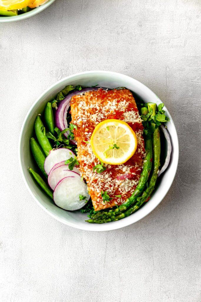 crunchy thai salmon bowl
